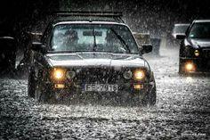 BMW E30 3 series black slammed rain