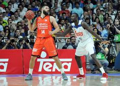 Llevamos dos partidos de la final ACB y la cosa va empatada a uno. La eliminatoria viaja a Valencia para dos partidos más. Llull y Dubljevic están marcando las diferencias entre Real Madrid y Valencia Basket, así que no sería de extrañar que esto volviera a Madrid en una semana.