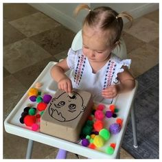 Baby Learning Activities, Activities For 1 Year Olds, Rainy Day Activities, Montessori Activities, Craft Activities For Kids, Infant Activities, Baby Sensory Play, Baby Play, Montessori Baby