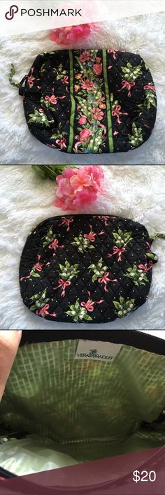"""Large Vera Bradley Make Up Bag NWOT Beautiful pattern bag in new condition! There is plastic lining the inside. It measures approx 11"""" X 9"""". Vera Bradley Bags Cosmetic Bags & Cases"""