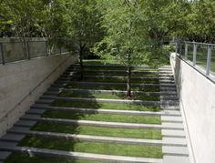 Small amphitheater out back. - See this image on Photobucket.