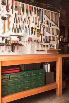 Handy people need a garage workbench plans place to work with projects and organize tools. A workbench in the garage is an ideal work Garage Organisation, Garage Tool Storage, Garage Tools, Garage Shop, Organization Ideas, Storage Ideas, Workbench Organization, Pegboard Garage, Garage Shelving
