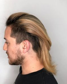 Match your cool hairstyle with an iconic low taper. See how you can modify this trend when you check out these low taper fade haircuts! Bald Taper Fade, Low Taper Fade Haircut, Top Hairstyles For Men, Cool Haircuts, Cool Hairstyles, Tapered Undercut, Undercut With Beard, Volume Haircut, Hair Looks