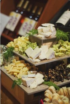 Wine tasting cheese display! We have some great wooden boxes, crates and plaques…