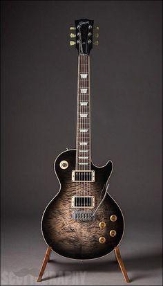 Gibson Guitars – Page 9 – Learning Guitar Prs Guitar, Guitar Shop, Cool Guitar, Gibson Les Paul, Custom Acoustic Guitars, Custom Guitars, Vintage Electric Guitars, Vintage Guitars, Fender Stratocaster