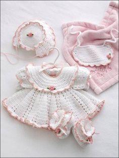 https://www.facebook.com/CrochetMagazine/photos/a.417186892123.190263.234676912123/10152489344312124/?type=1