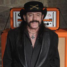 O Motörhead acaba de lançar uma linha de fones para quem gosta de rock:  http://rollingstone.com.br/noticia/motorhead-lanca-linha-de-fones-de-ouvido-para-roqueiros/