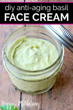 Have you wanted to learn to make your own face cream? This homemade anti-aging basil face cream is easy to make it so great for making your skin glow! Anti Aging Creme, Anti Aging Skin Care, Anti Aging Moisturizer, Tinted Moisturizer, Skin Care Cream, Homemade Skin Care, Homemade Beauty, Best Face Products, Beauty Products