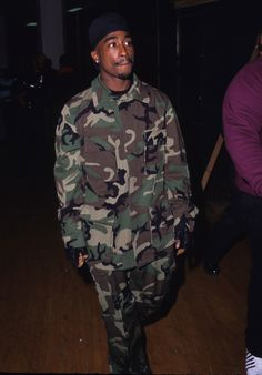 Bae, also my style icon, Tupac Hip Hop Look, Style Hip Hop, 90s Hip Hop, Hip Hop Rap, Hip Hop Fashion, 90s Fashion, 2pac Makaveli, Tupac Videos, Urbane Fotografie