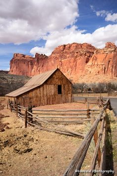 Gifford Farm Barn at Capitol Reef National Park, Utah Capitol Reef National Park, National Parks, Utah Parks, Farm Paintings, Acrylic Paintings, Farm Barn, Old Barns, World Best Photos, Travel Around The World