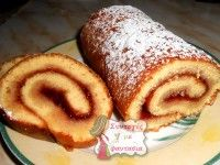 Νηστίσιμο κέικ με μήλα Cake Roll Recipes, Candy Recipes, Sweet Recipes, Dessert Recipes, Greek Desserts, Party Desserts, Cooking Cake, Low Sodium Recipes, Brownie Cake