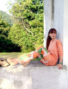 Sixties print leggings - combo verde, bianco e arancio Printed Leggings Outfit, Orange, My Style, Outdoor Decor, Green, Prints, Boards, Outfits, Blog