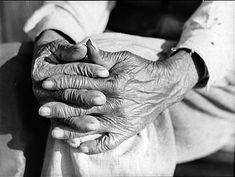 The aged hands of Mr. Henry Brooks, ex-slave of Greene County, Georgia. Photo by Jack Delano, May 1941.