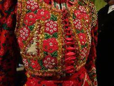 Hungarian Embroidery, Folk Dance, Vera Bradley Backpack, Blog Planner, Blogger Tips, Costumes, Pattern, Folk Art, Design
