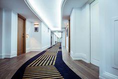 Enjoy the warm light in the corridor. #hotelroyalevian