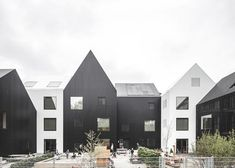 COBE Architects sets new standards in kindergarten architecture with a conglomerate of eleven small houses on the outskirts of Copenhagen. Architecture Design, Education Architecture, Residential Architecture, Kindergarten Architecture, Kindergarten Design, Kindergarten Pictures, Casa Patio, Social Housing, House Ideas