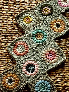 Ravelry: Sunshine Day Baby Afghan pattern by Alicia Paulson