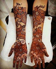 15 Beautiful Henna Tattoo Designs for Woman to Try - Fashiotopia Henna Hand Designs, Mehndi Designs Finger, Peacock Mehndi Designs, Latest Bridal Mehndi Designs, Mehndi Designs 2018, Mehndi Designs For Girls, Modern Mehndi Designs, Mehndi Design Pictures, Wedding Mehndi Designs