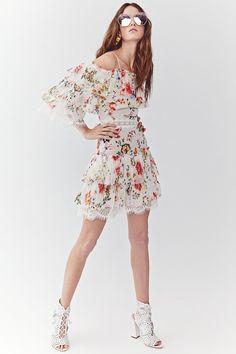 8bc6a5f7a08 Alice + Olivia Spring 2018 Ready-to-Wear Fashion Show