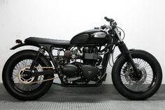 """Triumph Bonneville, CRD#10 """"Night Track"""" / Encargos de otros clientes / motos / Home - Cafe Racer Dreams"""