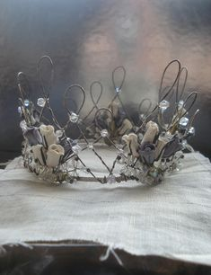 I've had this lovely wedding crown for a while and I just rediscovered it. Photo and styling by Robin Zachary Gold Wedding Crowns, Wire Crown, Sculpture Textile, Renaissance Jewelry, Crystal Crown, Circlet, Wire Crafts, Frame Crafts, Bridal Crown