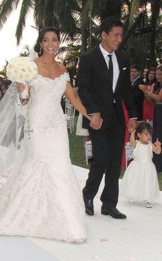 Google Image Result for http://www.eonline.com/eol_images/Entire_Site/2012115/reg_634.MarioLopezCourtneyMazza.wedding.jlc.12412.jpeg