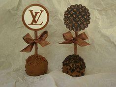 15th Birthday Cakes, Happy 17th Birthday, My Sister Birthday, Balloon Decorations, Birthday Party Decorations, Birthday Parties, Louis Vuitton Cake, Chanel Birthday Party, Disney Desserts