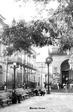 Vista parcial de plaza de Morelia Michoacan Mexico