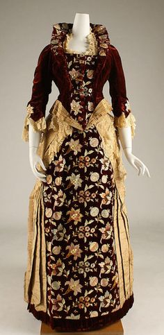 Gold silk and embroidered red silk velvet evening dress (front), by Mme. Dellac, American, ca. 1878.