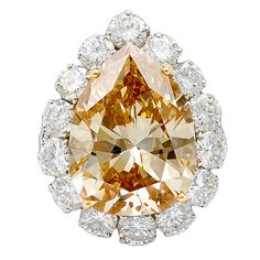 VAN CLEEF & ARPELS 12.12 cts Pear Shape Apricot Diamond Ring: 1970