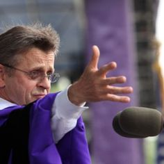 Mikhail Baryshnikov giving a  commencement speech at Northwestern University, 2013. His daughter is in the graduation class of 2014 & asked him if he would give the 2013 speech & he agreed.