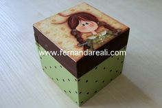 Caixa pintada com tinta PVA, tampa com papel Thete. Porta-batons. Decoupage, painted box, artcraft