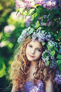 Click to close image, click and drag to move. Use arrow keys for next and previous. Precious Children, Beautiful Children, Minion Photos, Glamour Photo Shoot, Little Girl Photos, Hair Wreaths, Kid Poses, Flower Crown, Flower Hats