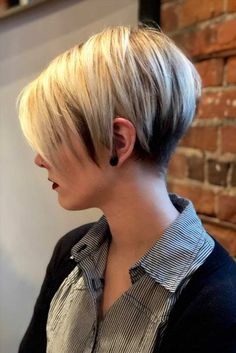 Layered Haircut for Short Hair Layered Pixie for Fine Hair Short Choppy Layered Hair Style Short Choppy Layered Straight Hair Fine Bob Style Very Short Bob Thin Bangs Layered Pixie Whispy… Continue Reading → Short Hair Styles Easy, Short Hair With Layers, Short Hair Cuts For Women, Back Of Short Hair, Short Short Hair, Cute Short Hair, Short Stacked Hair, Blonde Layers, Short Cuts