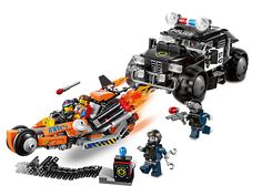 Zoom away from the Robo Police SWAT car in Super Cycle Chase!