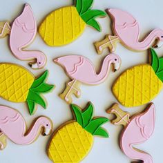Let's flamingle!! Flamingo And pineapple iced biscuits #creativecakepops #cookies #icedbiscuits #icedcookiescapetown #flamingoparty #flamingocookies #pineapplecookies #capetownbakery