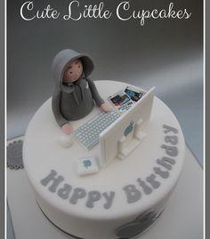 Cute Little Cupcakes Boys 18th Birthday Cake, Crazy Birthday Cakes, Birthday Cake For Him, Unique Birthday Cakes, Computer Cake, Computer Theme, Camouflage Cake, Gym Cake, Jake Cake