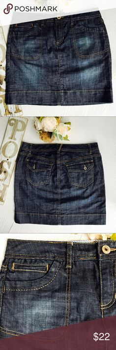 """TOMMY HILFIGER FOUR POCKET JEAN SKIRT SIZE 8 TOMMY HILFIGER FOUR POCKET JEAN SKIRT SIZE 8 New Without Tags  Excellent Condition  Length 17"""" Waist 32"""" Tommy Hilfiger Skirts"""