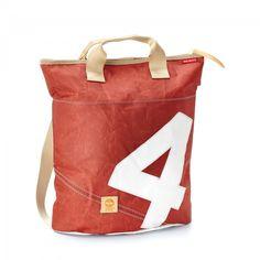 Rucksacktasche Braun mit weißer Zahl. Die braune Rucktasch ist ein universeller Rucksackbeutel und Tasche in Kombi #360Grad #Segeltuch #Ahoi