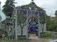 "Arlie Gardens , Wilmington, North Carolina, cappella bottiglia ""Minnie Evans"" architetto : Virginia Wright-Frierson, 2004"