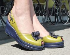 Scroll – Re-Mix Vintage Shoes