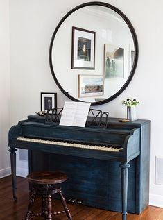 """Tour the Eclectic Home of an L. Design Writer -- One Kings Lane: """"This Craigslist piano came with cigarette-burned keys and a saloon sound. Christine swears that no matter how many hints her kids' piano teacher drops, she'll never trade it in. Piano Living Rooms, Living Room Modern, Home Living Room, Small Living, Das Piano, Piano Music, Painted Pianos, Small Room Design, Foyer Decorating"""
