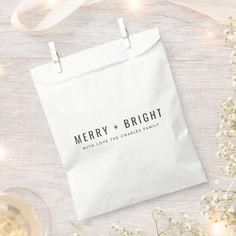 Green Christmas, Christmas Design, Christmas Holidays, Christmas Favors, Minimalist Christmas, Christmas Wonderland, Favor Bags, Merry And Bright, Happy Holidays