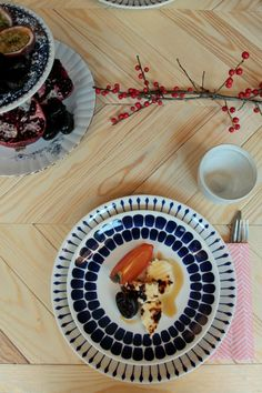 Xmas table setting by Daughters of Tobias