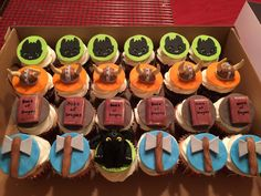 28 Ideas How To Train Your Dragon Cupcakes Dragon Birthday Parties, Dragon Party, 5th Birthday, Birthday Ideas, Toothless Cake, Dragon Cupcakes, How To Fold Towels, Ideas Para Fiestas, How Train Your Dragon