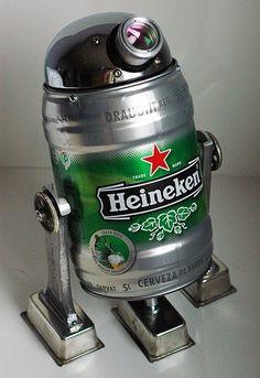 BeertooD2. R2D2 keg art. Want.