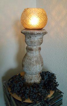 Weer een mooi knutsel werkje met vulmiddel, krijtverf en koffiedras.