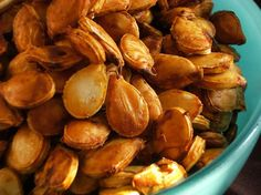 Perfect Crispy Toasted Pumpkin Seeds I always let my seeds dry overnight afte… - Modern Spicy Pumpkin Seeds Recipe, Pumpkin Seed Recipes, Toasted Pumpkin Seeds, Butternut Squash Chili, Roasted Butternut, Roast Pumpkin, Pumpkin Spice, Candy Pumpkin, Pumpkin Squash