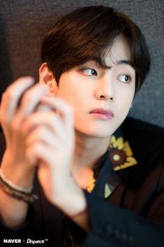 NaverxDispatch BTS photos at 2019 Billboard music awards Bts Taehyung, Bts Bangtan Boy, Bts Boys, Daegu, Foto Bts, Bts Photo, K Pop, Billboard Music Awards, Bts Billboard