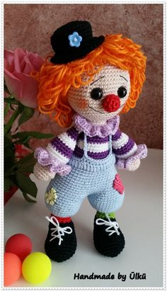 Cutest clown I've ever seen! Crochet Dolls Free Patterns, Crochet Beanie Pattern, Doll Patterns, Crochet Animals, Crochet Toys, Cute Clown, Crochet Baby Boots, Doll Tutorial, Knitted Dolls